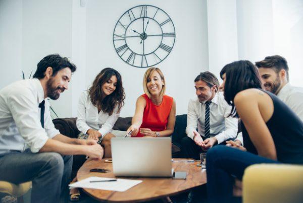 komunikasi efektif di perusahaan