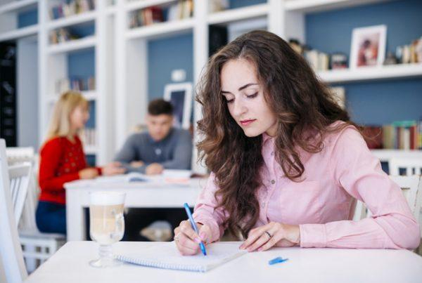 fokus belajar bahasa inggris